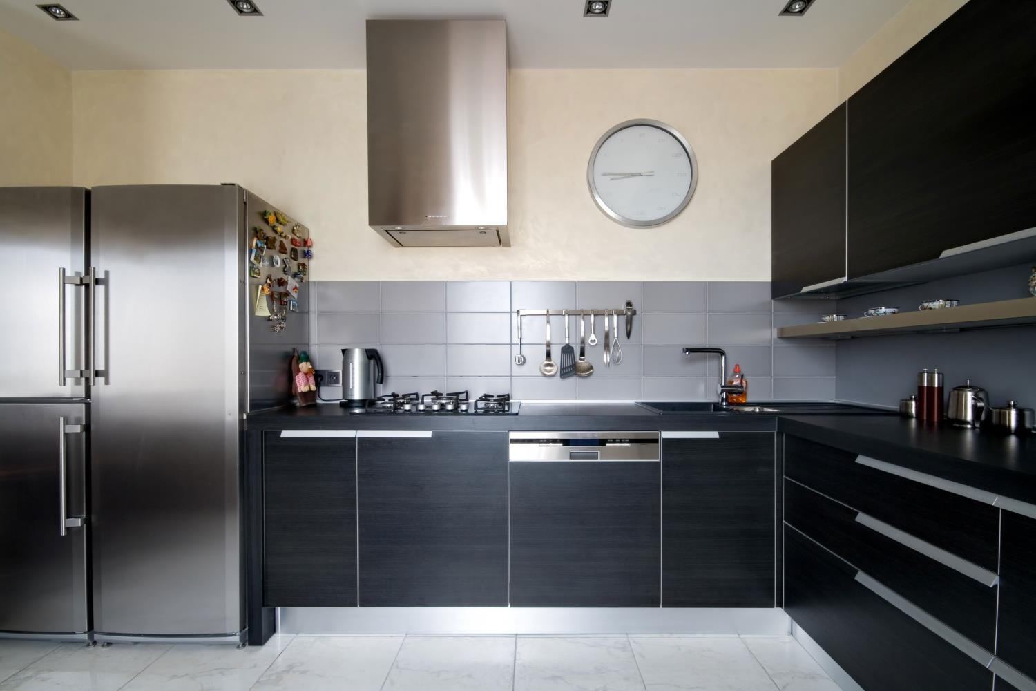 Black Modern Kitchen